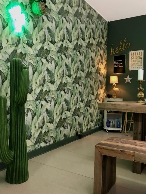 Banano wallpaper & cork flooring