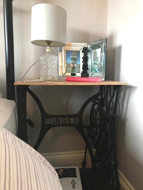 bedroomtable