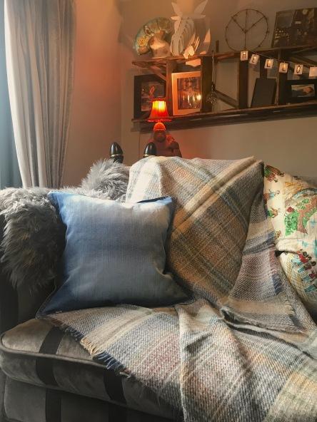 cushion&throw