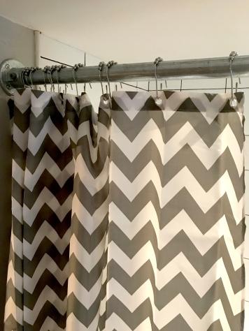 curtain&polecloseup